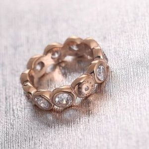 Michale kors rose gold crystal rings size 7
